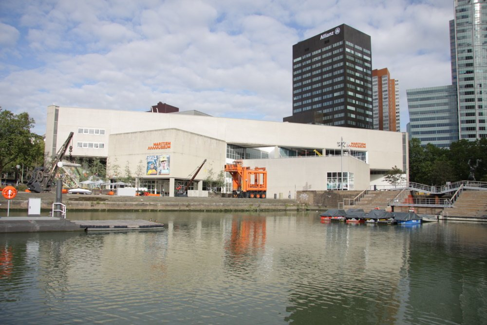 Maritiem Museum aan de Leuvenhaven Rotterdam