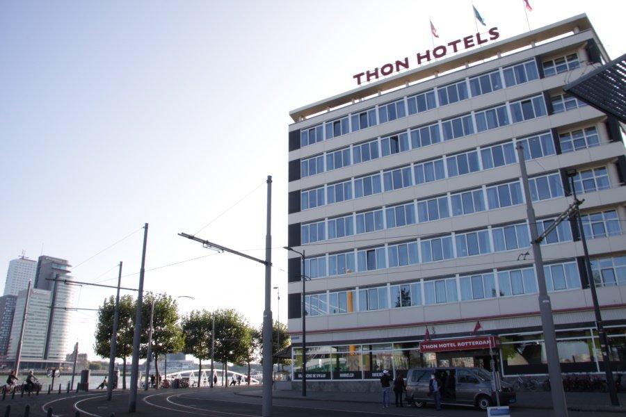 Thon hotel naast de Maas in Rotterdam centrum