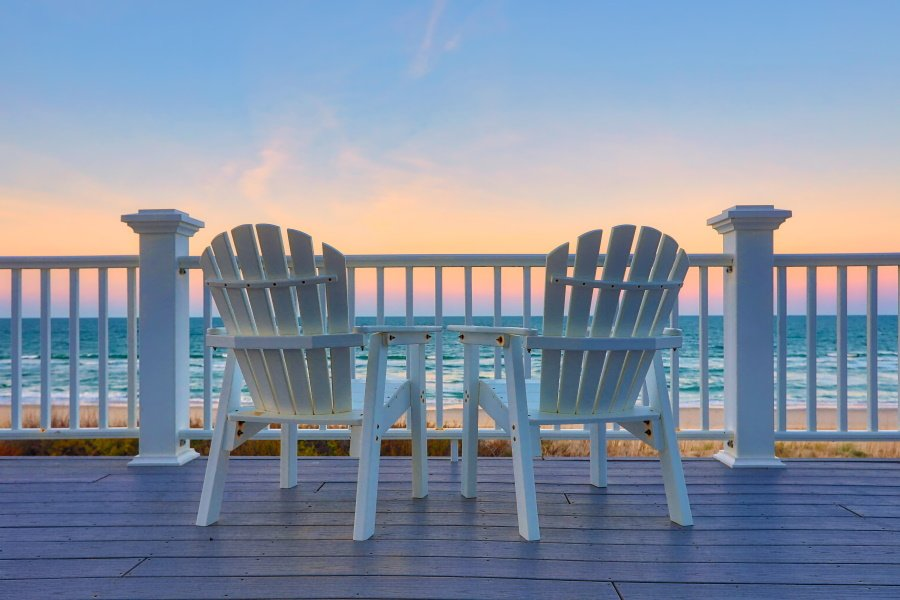 Uitzicht over zee vanaf het terras van Landal Beach Villa's