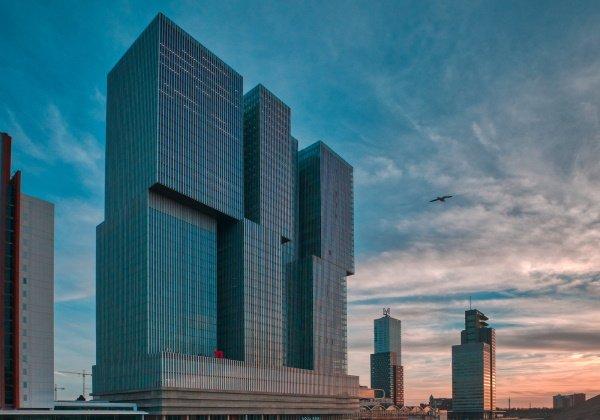 Het nhow hotel is gevestigd in de Rotterdam, een opvallen gebouw in de skyline van Rotterdam
