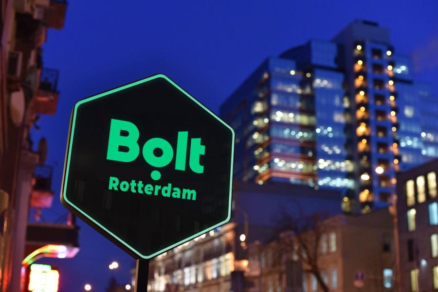 Bordje met taxi Bolt Rotterdam
